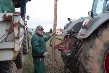 Auf den Feldern des Agrarunternehmens Lauenhain wird im Kampf gegen Mäuse auf eine natürliche Jagdmethode gesetzt.
