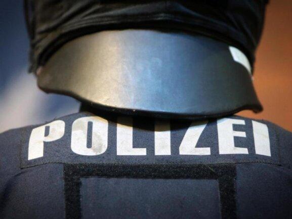 """Sachsens Innenminister Roland Wöller (CDU) hält den Infektionsschutz bei """"Querdenken""""-Demos nicht unter allen Umständen für durchsetzbar."""