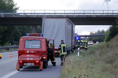 Auf der B 174 bei Gornau ist am Montagabend der Turbo eines Lkw explodiert. Die Straße wurde teilweise gesperrt.