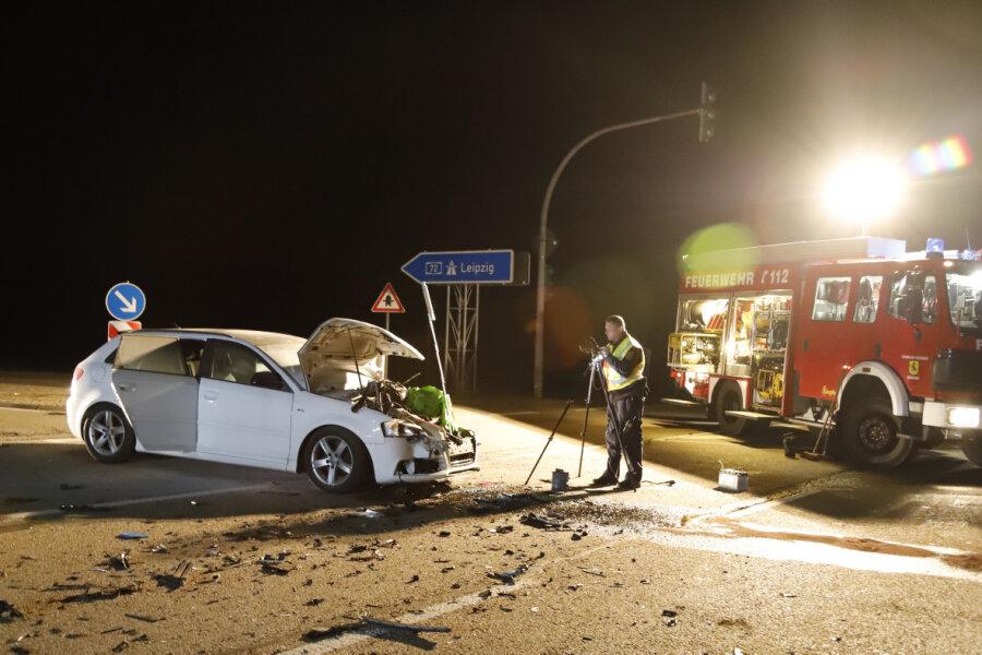 Kleintransporter kollidiert mit Audi