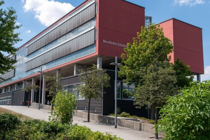 Künftig werden in der Rochlitzer Berufsschule keine Landwirte mehr ausgebildet. Trotz des Widerstands aus der Region pocht Kultusminister Christian Piwarz auf die Umsetzung der neuen Schulnetzplanung.