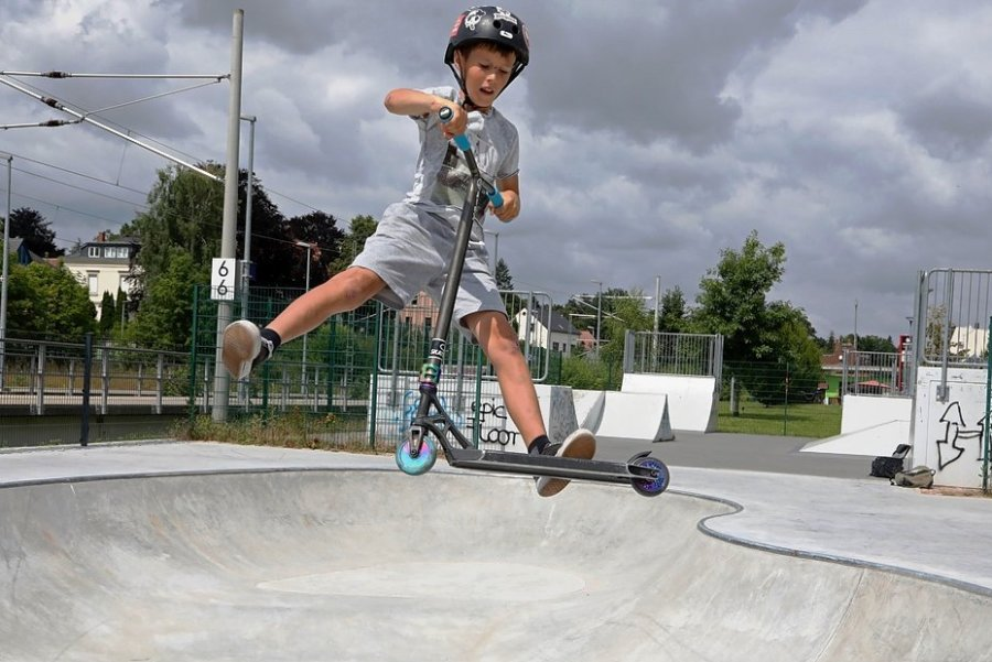 Der elfjährige Karl war der erste Nutzer im neuen Skate-Bowl.