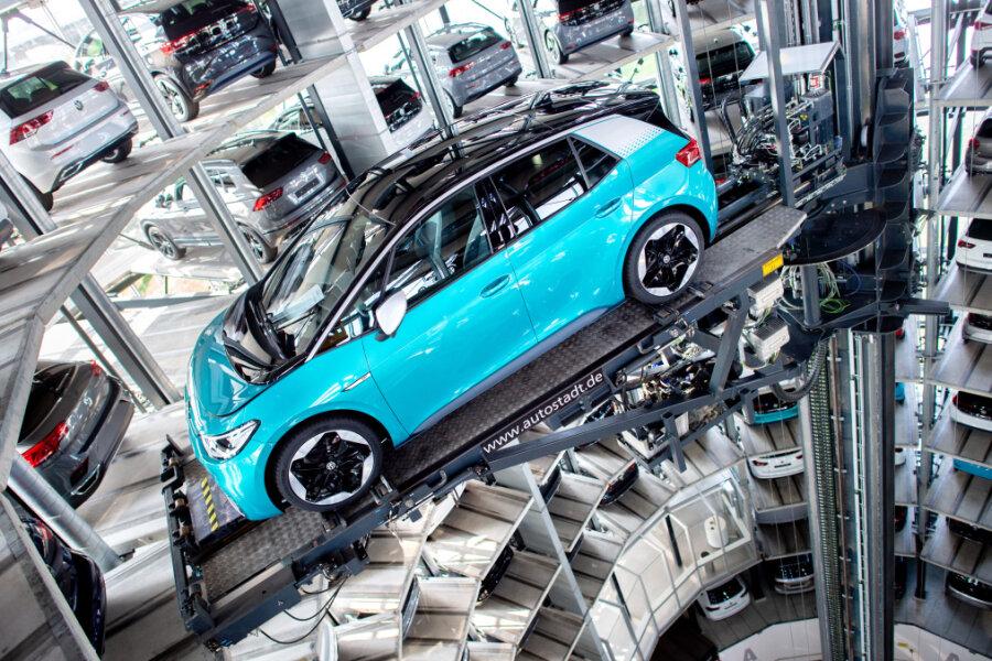 Autobranche debattiert über Antriebsarten der Zukunft