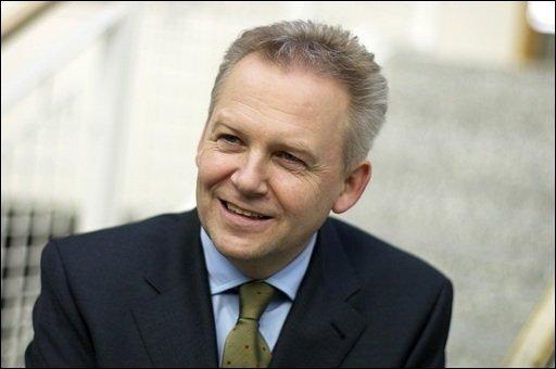 Der Daimler-Manager und EADS-Verwaltungsratchef Rüdiger Grube soll Hartmut Mehdorn als Chef der Deutschen Bahn folgen.