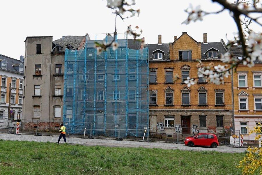 Diese Gebäude an der Schlachthofstraße/Ecke Lessingstraße werden abgerissen und sollen durch neue Wohnhäuser ersetzt werden.