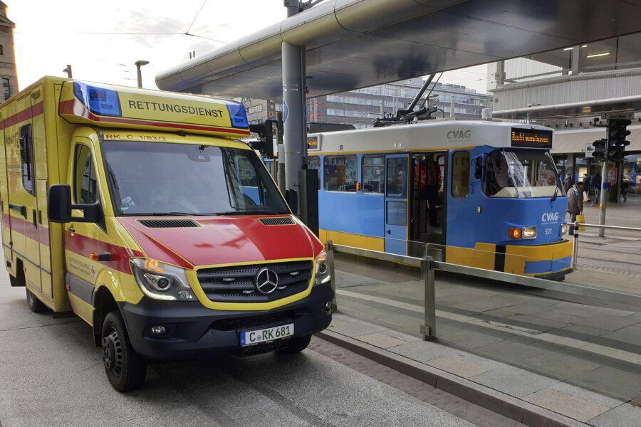 Behinderungen nach Straßenbahn-Unfall an der Zentralhaltestelle