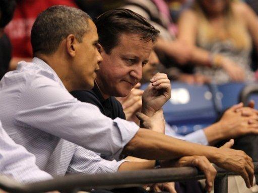 Barack Obama (l.) und David Cameron im Publikum
