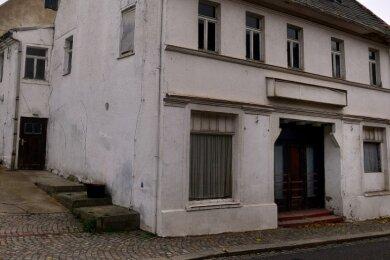 Das ehemalige Kino an der Bahnhofstraße in Hainichen soll im nächsten Jahr abgerissen werden. Auf dem Areal ist eine Grünfläche vorgesehen.