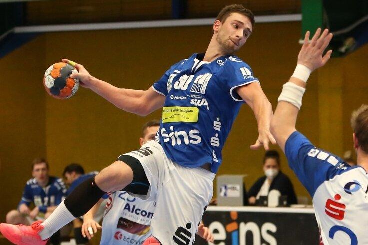 Adrian Kammlodt - hier in einem Spiel gegen seinen Ex-Verein HC Elbflorenz Dresden - erzielte in Hamburg sechs Tore für den EHV Aue. Insgesamt schlugen sich die Erzgebirger beim Spitzenreiter mehr als wacker. Nun folgt zuhause das Kontrastprogramm gegen Kellerkind Konstanz.