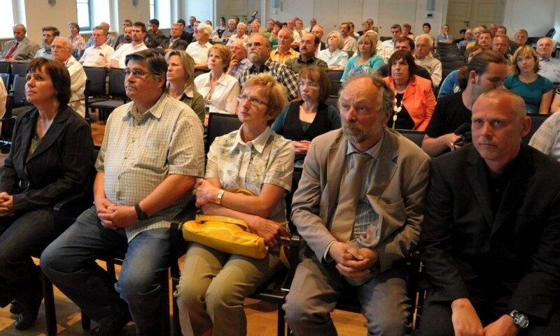 Die Machenschaften des ehemaligen DDR-Ministeriums für Staatssicherheit sorgen heute noch für Betroffenheit, so auch am Mittwoch bei einer Podiumsdiskussion in Reichenbach.