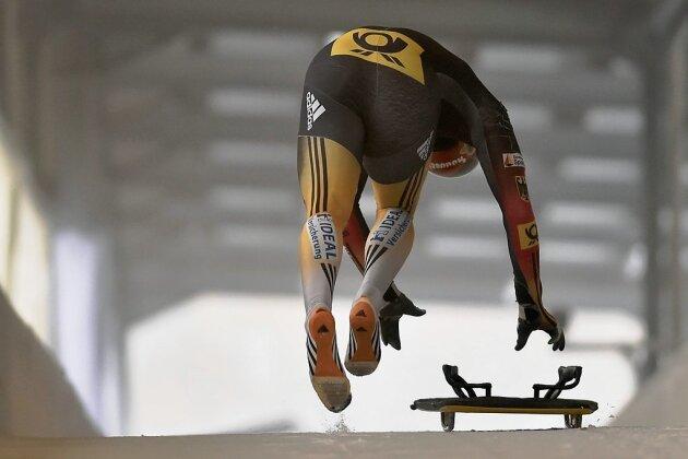 Axel Jungk bringt seinen Schlitten in Fahrt.