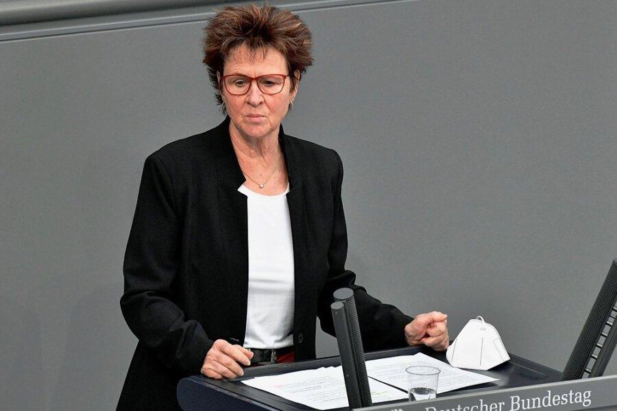 Seit 2005 im Bundestag - nun erstmals ohne Listenplatz: Die Zwickauerin Sabine Zimmermann muss um ihr Mandat bangen.
