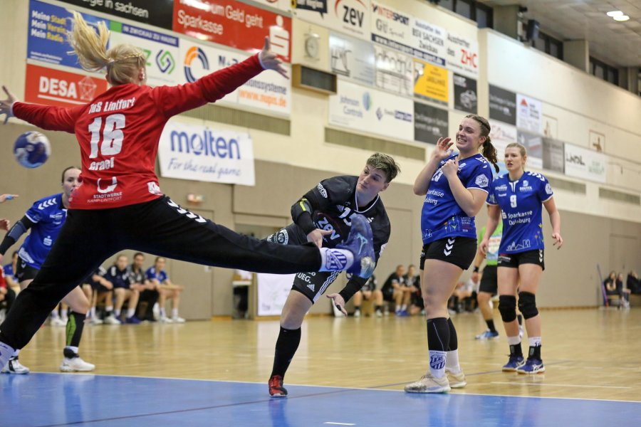 Die Handballerinnen von BSV Sachsen Zwickau haben sich am Samstag gegen Lintfort durchgesetzt.