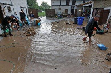 Anfang Juni war er Hof von Familie Thiel in Gesau überflutet.