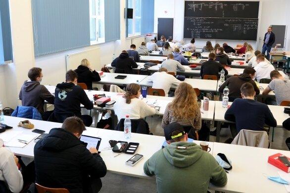 Die Berufsakademie freut sich über viele volle Seminarräume, wie hier im Fach Bauingenieurwesen.