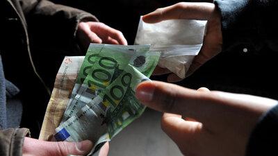 Ein Chemnitzer Unternehmer soll einen seiner Mitarbeiter mit Drogen statt mit Geld bezahlt haben.