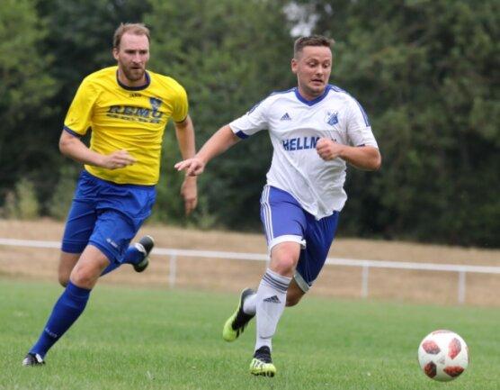 Christian Jäger (rechts) und der VfB Empor Glauchau sind zurück in der Landesliga.