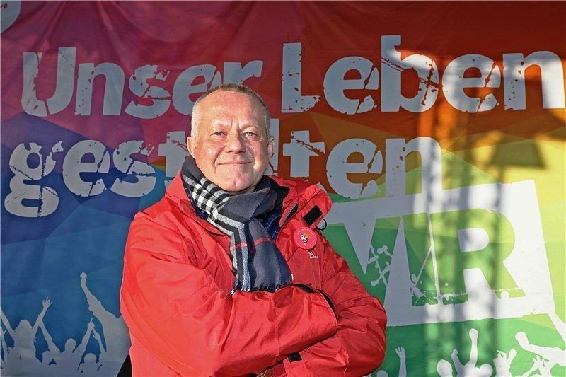 Ein Gewerkschafter, der nicht nur auf seinen Tisch guckt: Stefan Kademann.