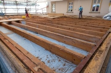 Nach der Dachöffnung am Erlauer Generationenbahnhof folgten am gestrigen Donnerstag Vermessungsarbeiten.