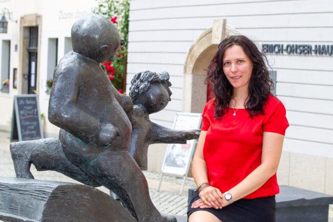 Nach nur zweieinhalb Monaten als neue Galeristin im Erich-Ohser-Haus verlässt Delia Viola Kottmann wieder das Vogtland.