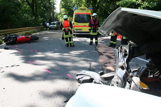 Bei einem Unfall kurz vor Augustusburg wurde ein Motorradfahrer schwer verletzt.