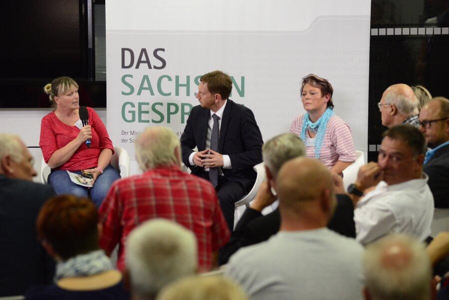 Michael Kretschmer im Gespräch mit Chemnitzern.