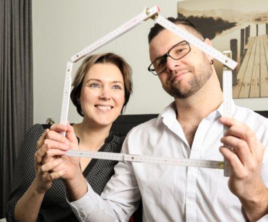 Nicht nur dieses vogtländische Paar spielt mit dem Gedanken, ein eigenes Häuschen zu bauen. Die Chancen dafür stehen nicht schlecht.