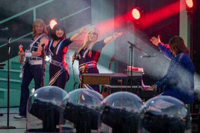 Die Musiker von A4u - Die ABBA Revival Show begeisterten ihr Publikum.