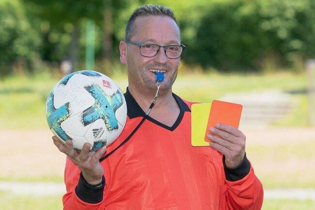 Beim Benefiz-Turnier am 24. Juli in Wernsdorf gehört Frank Bemert zum Schiedsrichter-Team.