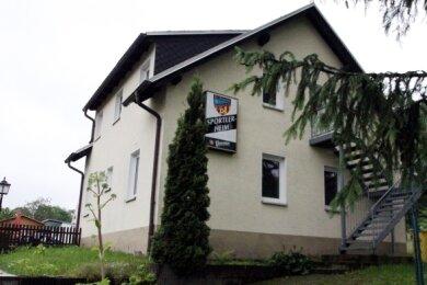 Das Dach des Bockauer Sportlerheims muss saniert werden.