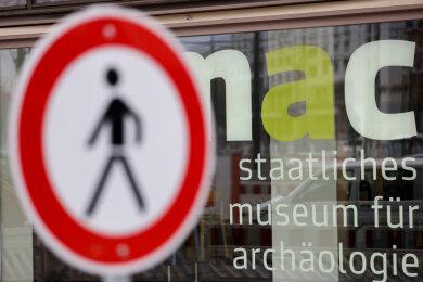 Museen, Tierpark und Einzelhandel müssen wieder schließen.
