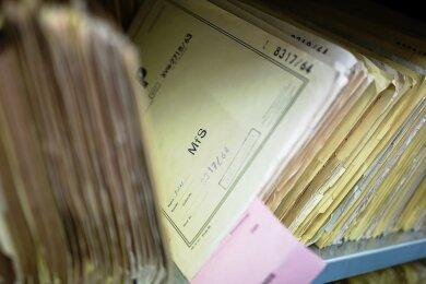 Kilometerweise Akten hat die Stasi hinterlassen. Sie sollen künftig ins Staatsarchiv.
