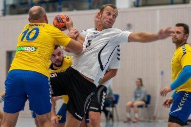 Sebastian Natzschka (M.) und seine Teamkollegen von Fortschritt Mittweida werden im Frühjahr wohl nicht mehr um Punkte in der Bezirksliga kämpfen. Auch hier gehen die Beteiligten von einem Abbruch aus.