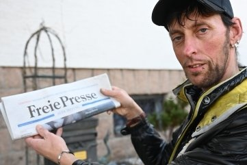 """Sven Großer aus Schneeberg istbereits seit 1994 Zusteller für die """"Freie Presse""""."""