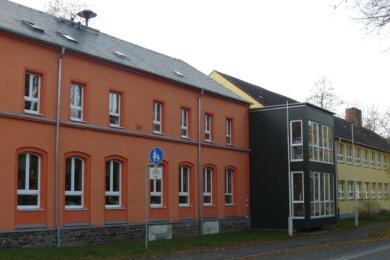 Die Grundschule Oberschöna soll mit einem Klassensatz Laptops und weiterer Digitaltechnik ausgestattet werden. Die Kosten von rund 120.000 Euro werden zu 75 Prozent über Fördermittel abgedeckt.
