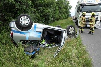 Unfall auf der A4: Der Polofahrer wurde schwer verletzt.