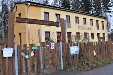 """Der Christliche Kindergarten """"Entdeckerland"""" in Schellenberg ist bei den Hortplätzen an die Kapazitätsgrenze gelangt. Susan Ranfeld, die Chefin der Einrichtung, sieht dringenden Handlungsbedarf. """"Wir haben schon ein paar Ideen entwickelt, wo ein neues Domizil entstehen könnte"""", sagt die Diplom-Sozialpädagogin."""