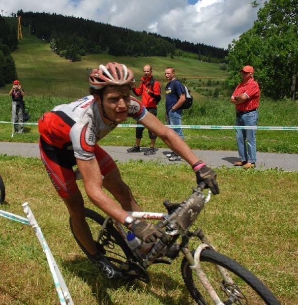 """<p class=""""artikelinhalt"""">Frank Lehmann vom Team Rothaus Cube kurz vorm Ziel der letzten Etappe der Trans Germany 2007 in Oberwiesenthal. Dieses Jahr soll Seiffen Zielort der Tour sein.</p>"""