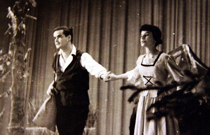 Maria Kern mit Veit Riesinger vom Pioniertheater Zwickau im Jahr 1966.