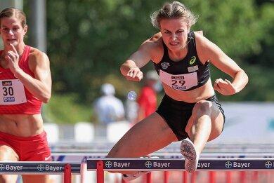 Beim Leichtathletikmeeting in Leverkusen lief Anne Weigold Bestleistung, die sie bei der DM in Braunschweig noch einmal steigern konnte.