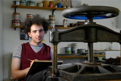 Thomas Hassan Steinmüller studiert an der Fakultät in Schneeberg und hat ein Wirtschaftsabi in der Tasche.