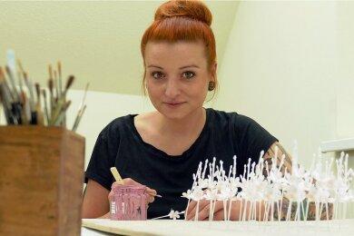 Die gelernte Friseurin Melanie Fröhlich arbeitet seit 2015 als Malerin bei Wendt & Kühn.