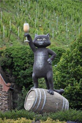 Einladung zur Weinprobe: die berühmte Zeller Schwarze Katz.