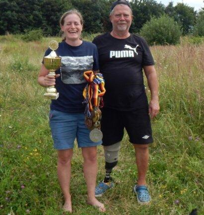Die Deutsche Judomeisterin von 2012, Sabine Goller, sprüht vor Lebensfreude. Mit ihrem Plauener Trainer Jürgen Georgi trifft sie sich nach wie vor regelmäßig.