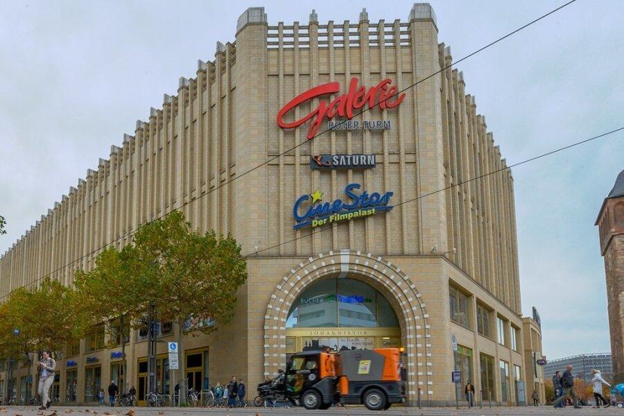 Das Einkaufszentrum Galerie Roter Turm soll sich aus Sicht mancher Chemnitzer nach außen hin öffnen. Diese Forderung wurde bei einem Bürgerforum zur Fortschreibung des Einzelhandels- und Zentrenkonzeptes erneut vorgebracht. Foto: Andreas Seidel/Archiv