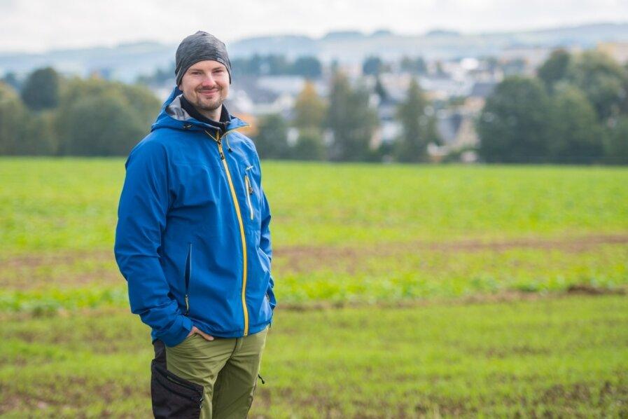 Sven Kümmeritz ist der neue Wanderwegewart von Neukirchen. Für das Ehrenamt hatten sich insgesamt fünf Interessenten beworben. Die Wahl fiel letztlich auf den Polizeibeamten.
