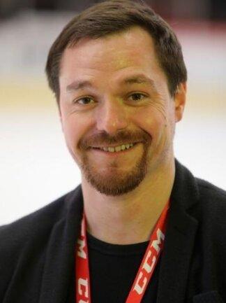 Jörg Buschmann macht als Geschäftsführer der Eispiraten Crimmitschau bis 2022 weiter.