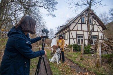 """Tobias Markstein, der Ehemann von Ramona Markstein, schlüpft für den Dreh des Märchenfilmes """"Anton - Die Kärrnersage"""" in die Rolle des Anton."""