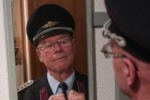 Karl Menzel ist seit 60 Jahren Mitglied bei der Freiwilligen Feuerwehr Oberfrohna. Der Brand bei der Fabrik Uebel in der Neujahrsnacht 1980/81 war einer der größten Einsätze, die er erlebt hat.