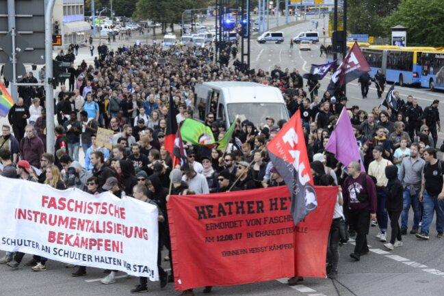 Die Demo von Chemnitz Nazifrei auf dem Weg in Richtung Dresdner Platz.